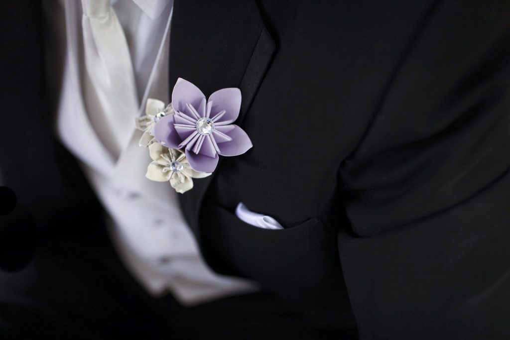 Paper wedding flowers were used to reduce stress for a bride living with adrenal insufficiency.