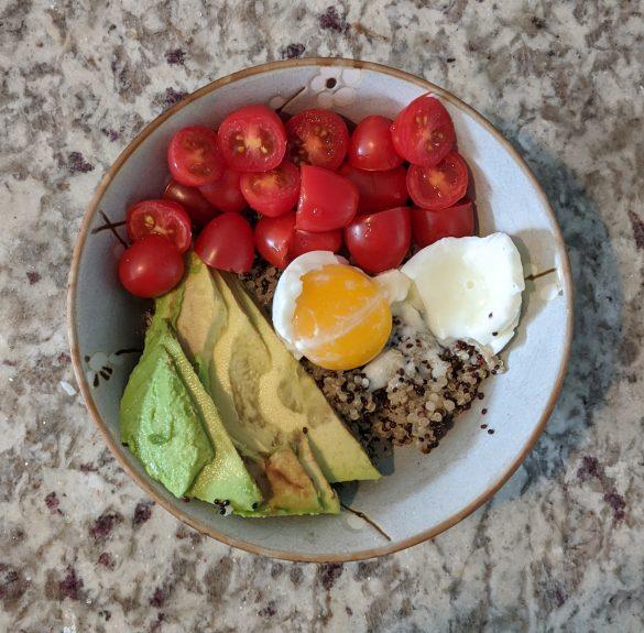 No Added Sugar Breakfast Bowl With Quinoa, Avocado, and Tomato
